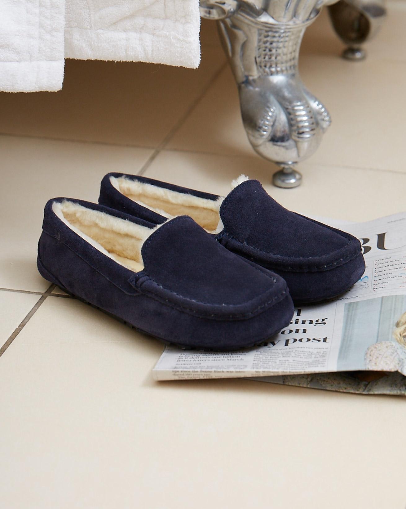 ladies-loafer-1.jpg